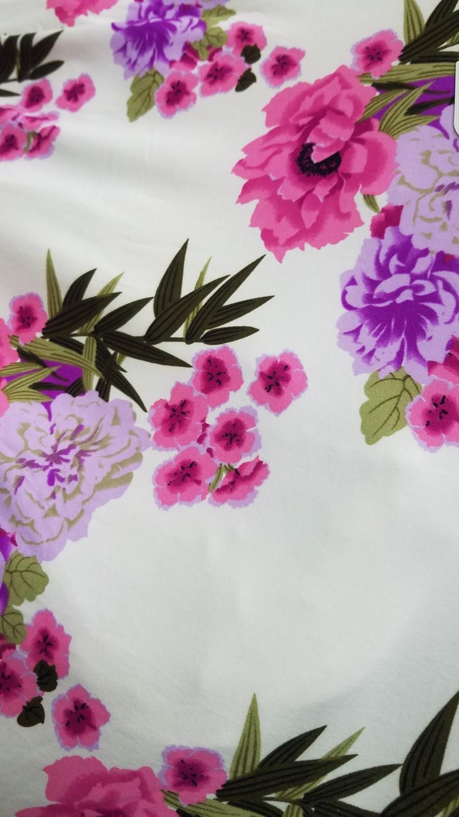 פרחים רקע לבן