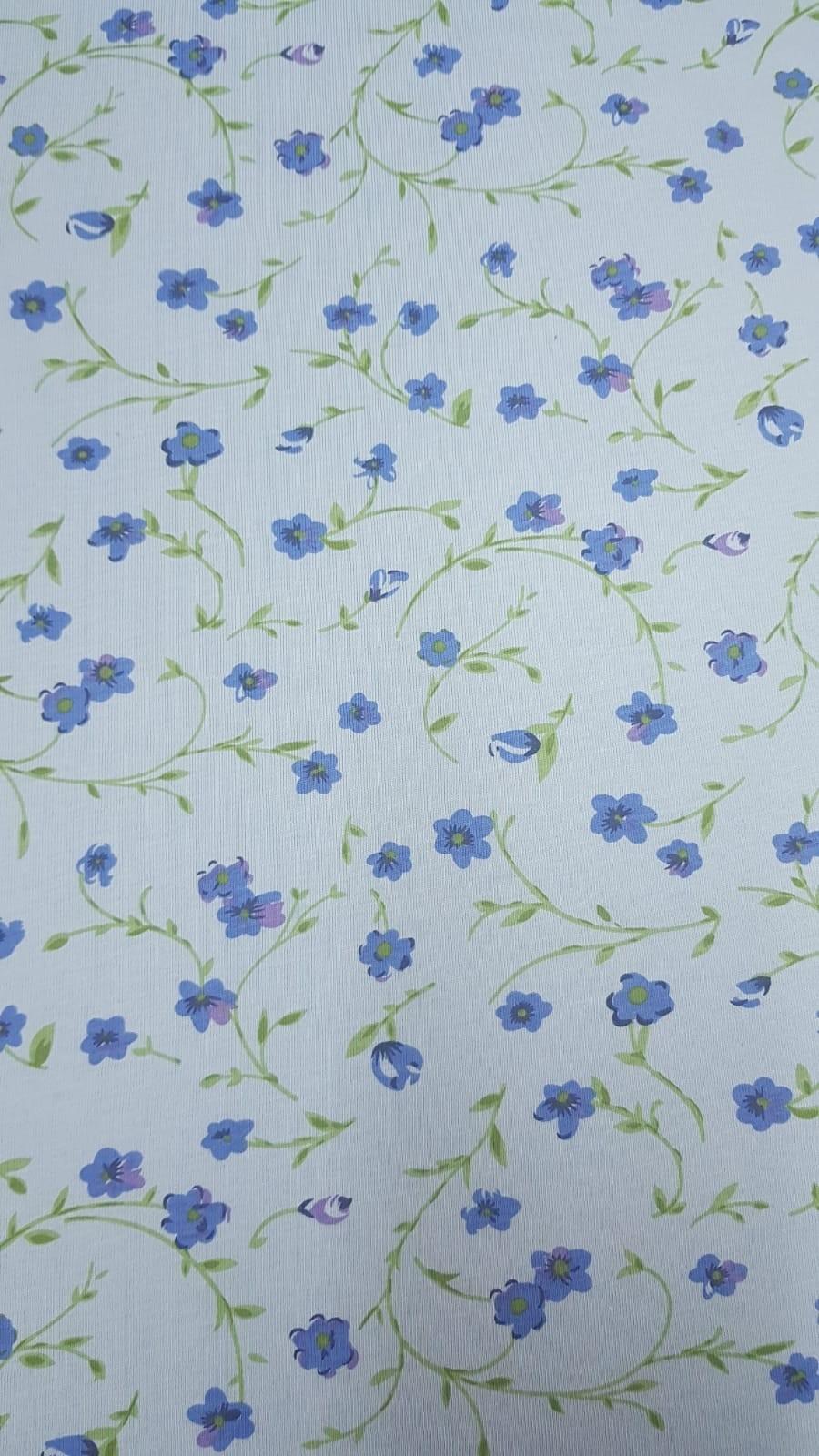 פרחים כחולים רקע תכלת